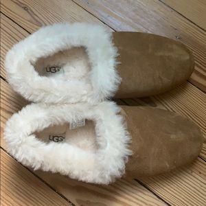 Ugg kendyl slipper size 10
